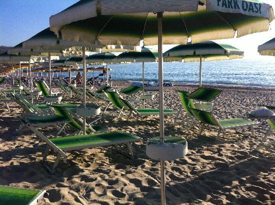 Strand bild von park oasi zambrone tripadvisor for Hotel meuble park spiaggia