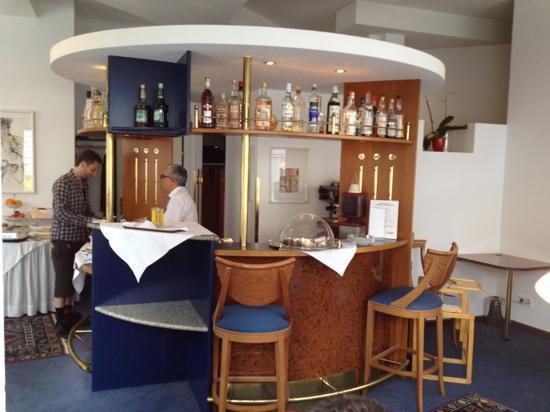 Alla Lenz Hotel: breakfast room