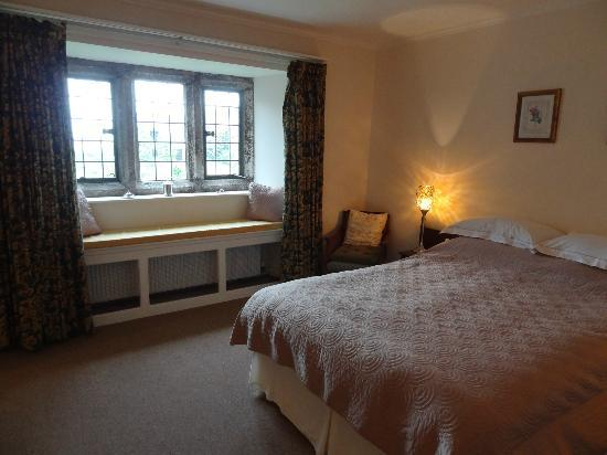 Erth Barton: Tamar Room with lovely window seat and view over the front garden