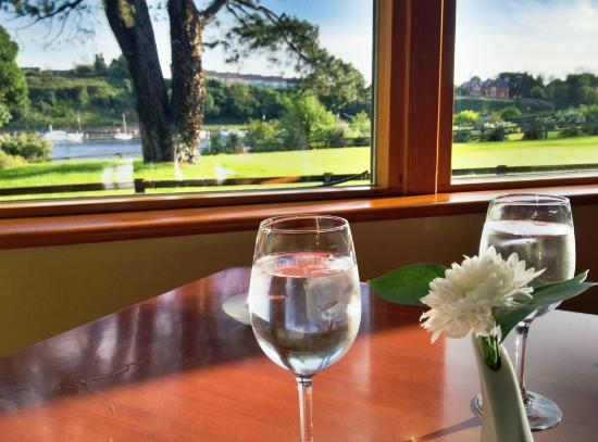 Cherry Tree Restaurant: The beautiful view from our table