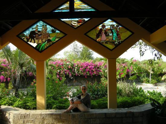 وايت ساندز ريزورت: Nice garden 