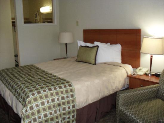 The Stevenson Monterey: Room was ok