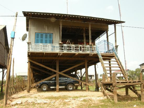 Sonalong Boutique Village & Resort: Floating village. They can afford such car?