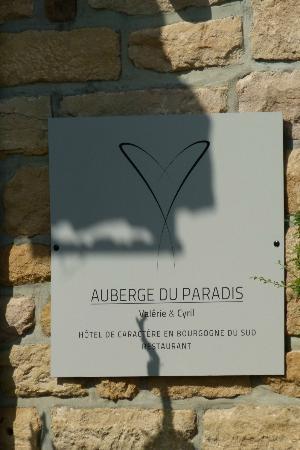 Auberge du Paradis : L'enseigne de l'hôtel-restaurant