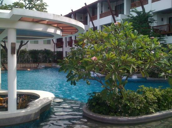 The Elements Krabi Resort: grounds1