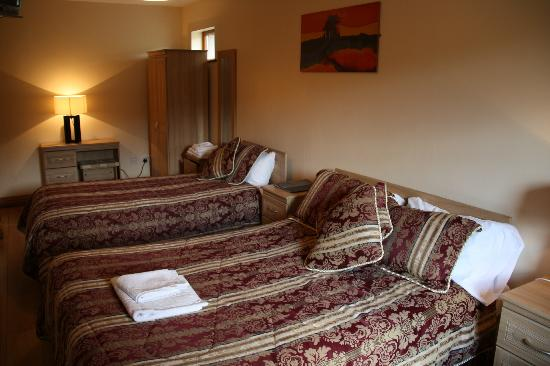 Newgrange Lodge: Bedroom