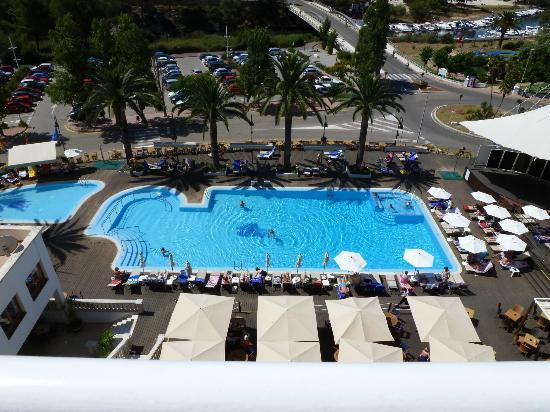 Hotel Cala Galdana & Villas d'Aljandar: View of the pool