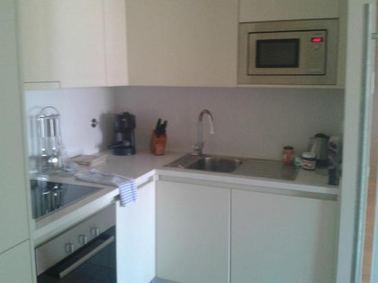 Serviced Apartments Boavista Palace : Kitchen