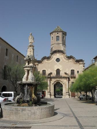 Real Monasterio De Santes Creus: village de santes creus