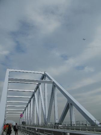 Tokyo Gate Bridge : 羽田発着の飛行機が高確率で映ってますw