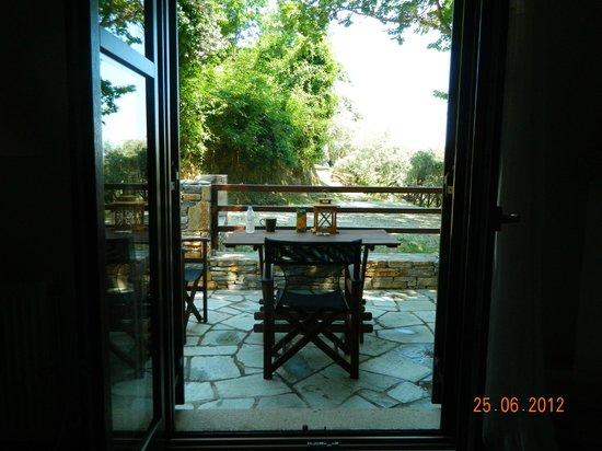 Vergopoulos Oliveyard: Βεράντα