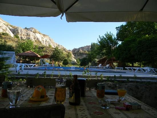 Rock Valley Pension: view in front of restaurant and breakfast place / relax room / bar / internet corner