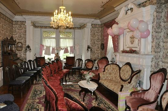 Shearer Elegance Bed and Breakfast: Decorated for baby shower