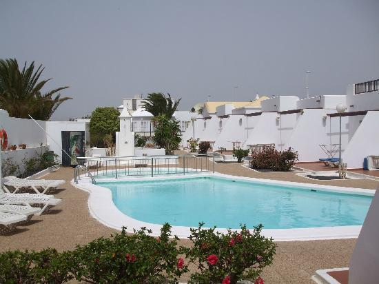 La Laguneta Apartments: The Laguneta Apartments and pool