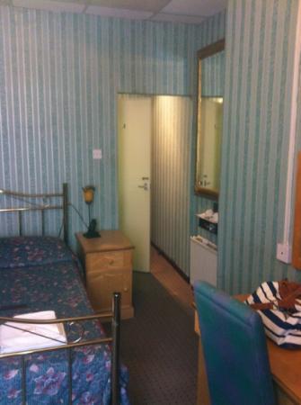 Balmoral Hotel : room 202