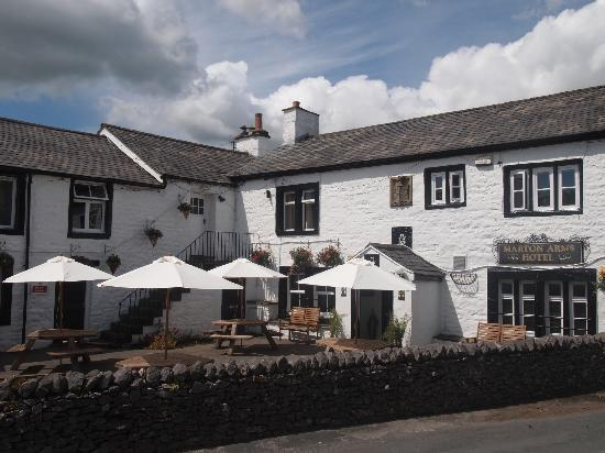 Marton Arms Hotel: Outside
