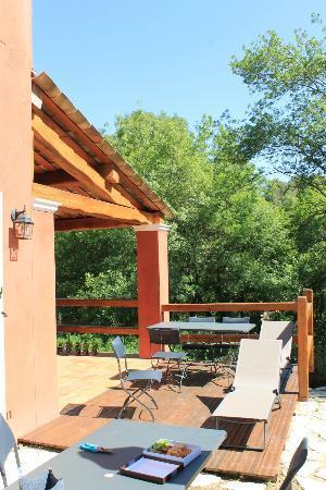 Chateauneuf de Grasse, Frankrike: terrasse parfaitement orientée
