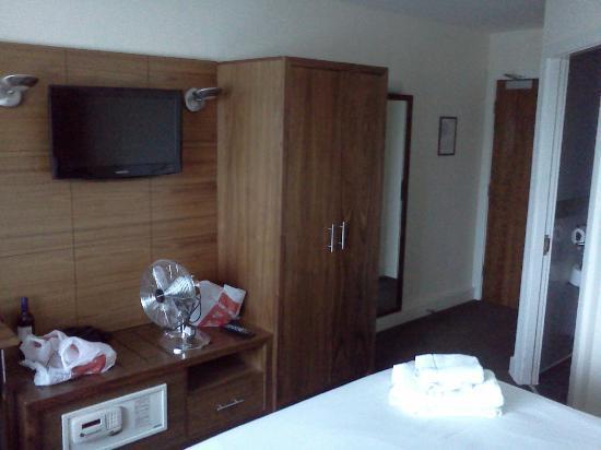 Legacy Preston International: Bedroom