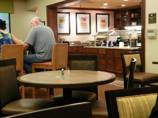 هوم وود سويتس باي هيلتون أنكوريدج: Dining Area/Breakfast