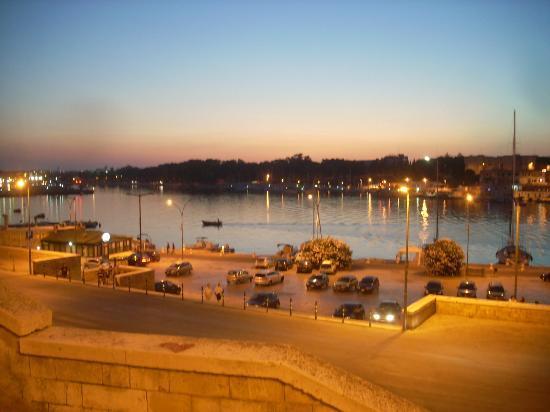 Brindisi, Italy: panorama del porto al tramonro