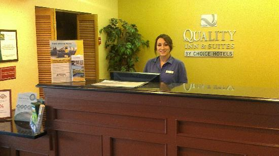 Quality Inn & Suites Conference Center: Front desk and Anglea great Serice