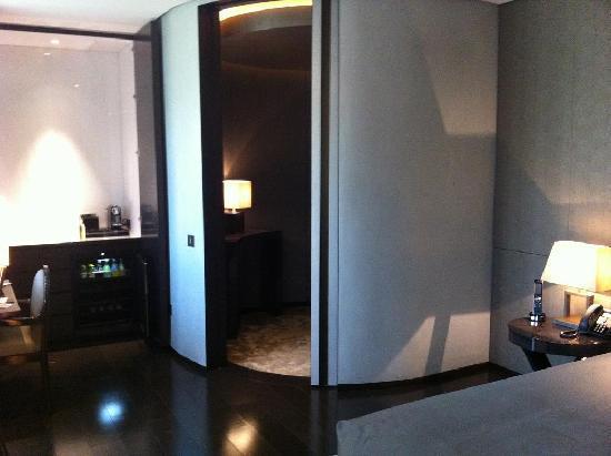 Armani Hotel Milano: room