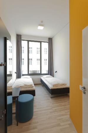 Generator Hostel Hamburg: 2-Bettzimmer / Twin Room