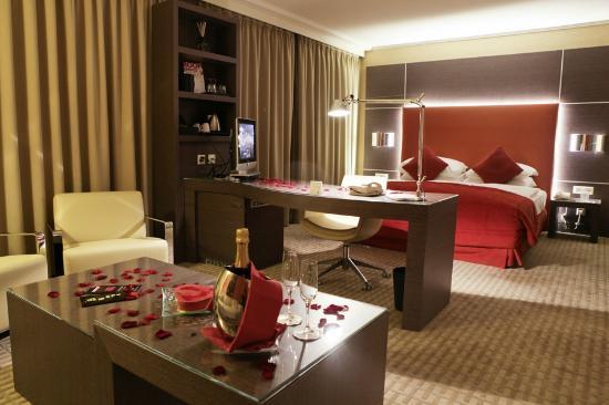 Starling Geneva Hotel & Conference Center: Junior Suite