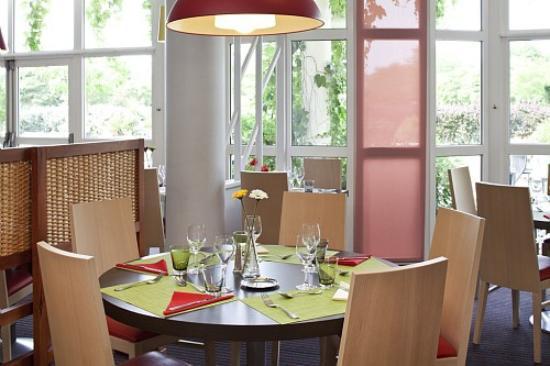 Ibis Styles Chinon: Restaurant