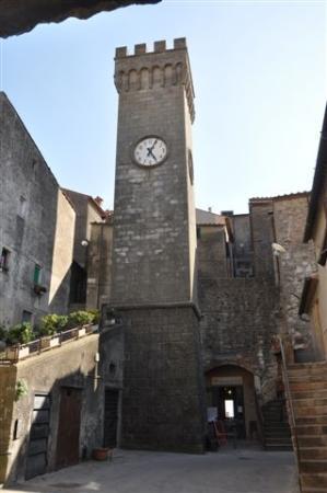 Kathedrale San Nicola: ...Torre dell´Orologio....