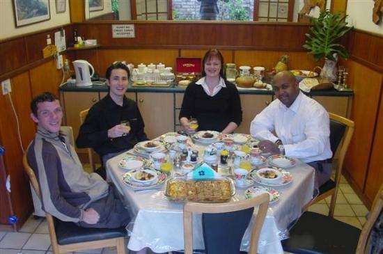 Villa Belladonna B&B: Cozi dining