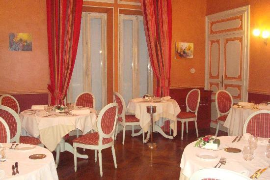 Hostellerie Chateau des Fines Roches: Restaurant