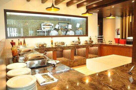 Live kitchen - Picture of Manhattan Restro Bar, Jalandhar ...