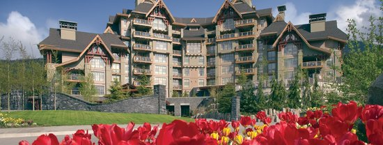 Four Seasons Resort and Residences Whistler: Exterior