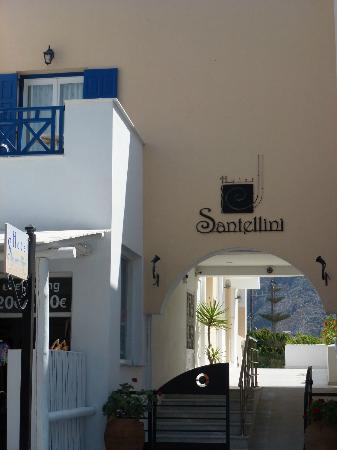 Santellini Boutique Hotel: Hotel Entrance