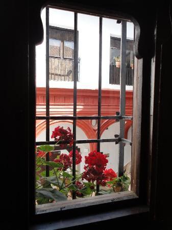 Palacio de Mondragón: La ventana