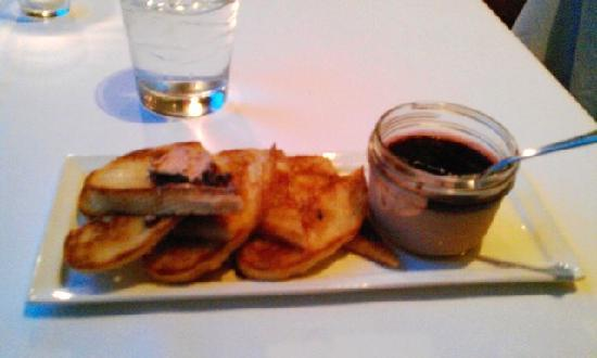 The Willcox Restaurant: Pate and toasted bread