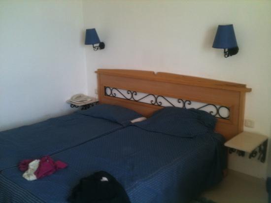 Hotel Itropika Beach : la chambre