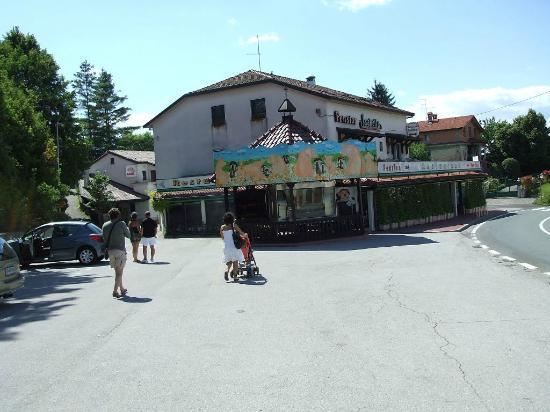 Esterno del ristorante foto di ristorante pensione for L esterno del ristorante cruciverba