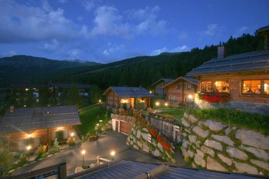 Park Chalet Village: Il Vilaggio by night