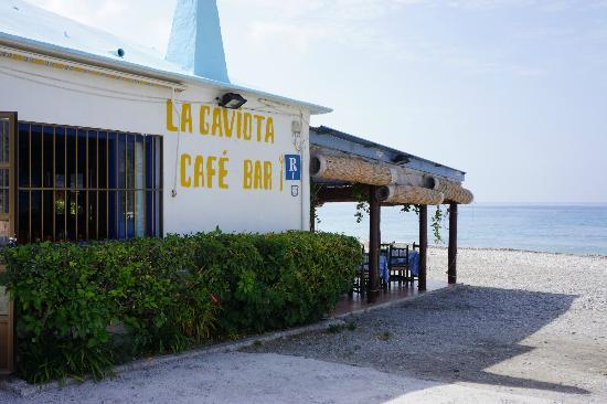 La Herradura, Spanyol: La Gaviota - On the beach