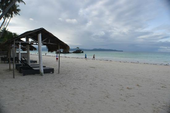 Pearl of the Pacific Boracay Resort & Spa: Great beach front