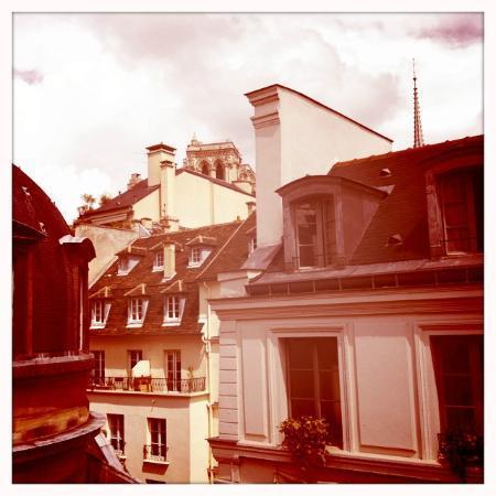 Melia Paris Notre-Dame: Der Blick auf Notre-Dame....
