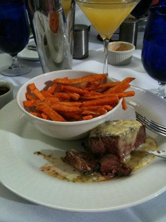 Wendall's Steak & Seafood Restaurant: perfectly cooked steak