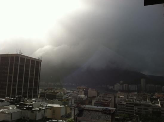Ipanema Tower: another view of mountains and clouds from balcony