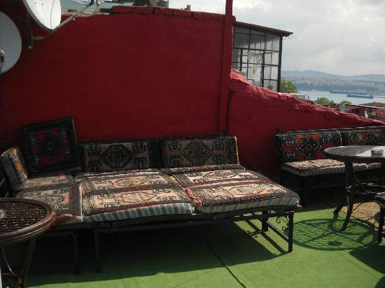 Antique Hostel - Guest House: Terrace