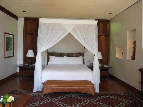 Four Seasons Resort Bali at Sayan: The bed