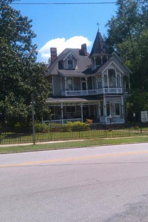 Chipley Murrah Bed & Breakfast: Front View