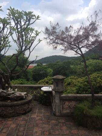 Thanh Chuong Viet Palace: view from one of the houses