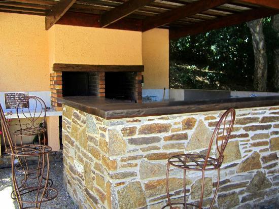 Villa Nais: Outdoor kitchen for guests